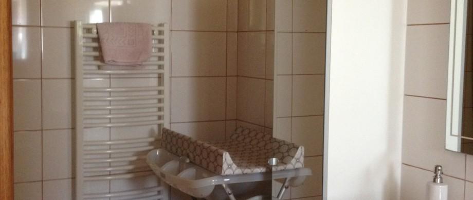 matériel bébé salle de bain gite des roises Thillot Meuse