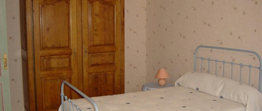 chambre bleue location de vacances de Thillot sous les Côtes